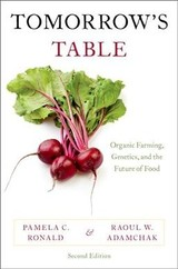 Tomorrow's Table - Adamchak, Raoul W. (market Garden Coordinator, University Of California, Davis); Ronald, Pamela C. (professor Of Plant Pathology, University Of California, Davis) - ISBN: 9780199342082